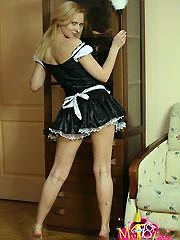 Hot teen housemaid Leah shows off her..