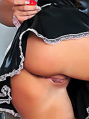 Check out this horny housemaid washing..
